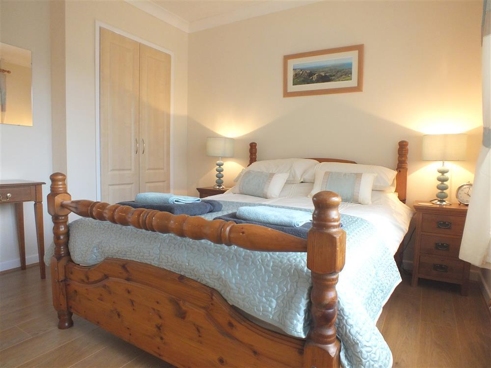03 bedrooms Newport Pembs (2)