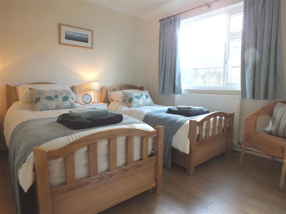 03 bedrooms Newport Pembs (3)
