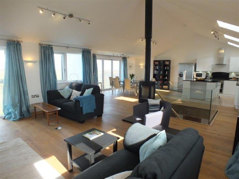 Stylish detached upsidedown sea view property finished and furnished to a very high standard - Sleeps 8 - Ref 2150