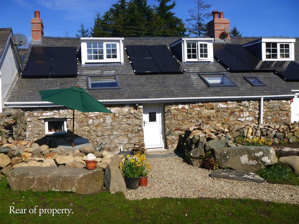 400 year old terraced cottage, originally a shepherds smallholding  Sleeps: 3  Property Ref: 2151