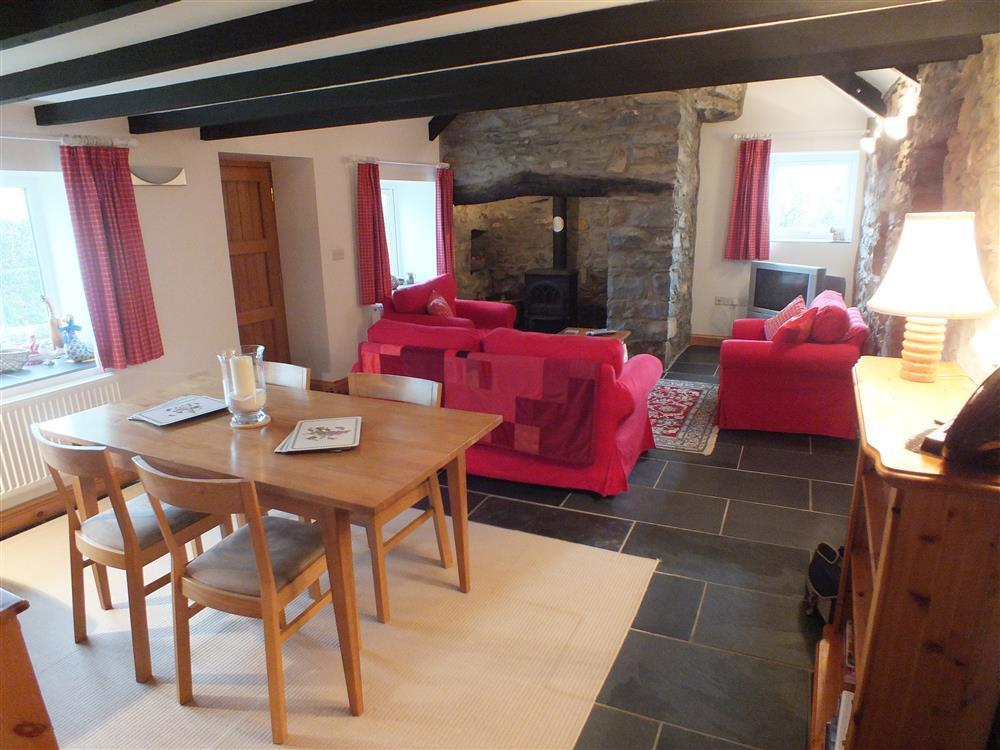 02-Cottage Dining Room in Goodwick-628 (1)