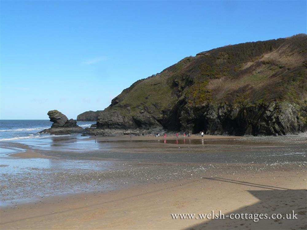 Photograph of 09 Llangrannog Beach 2171 (2)