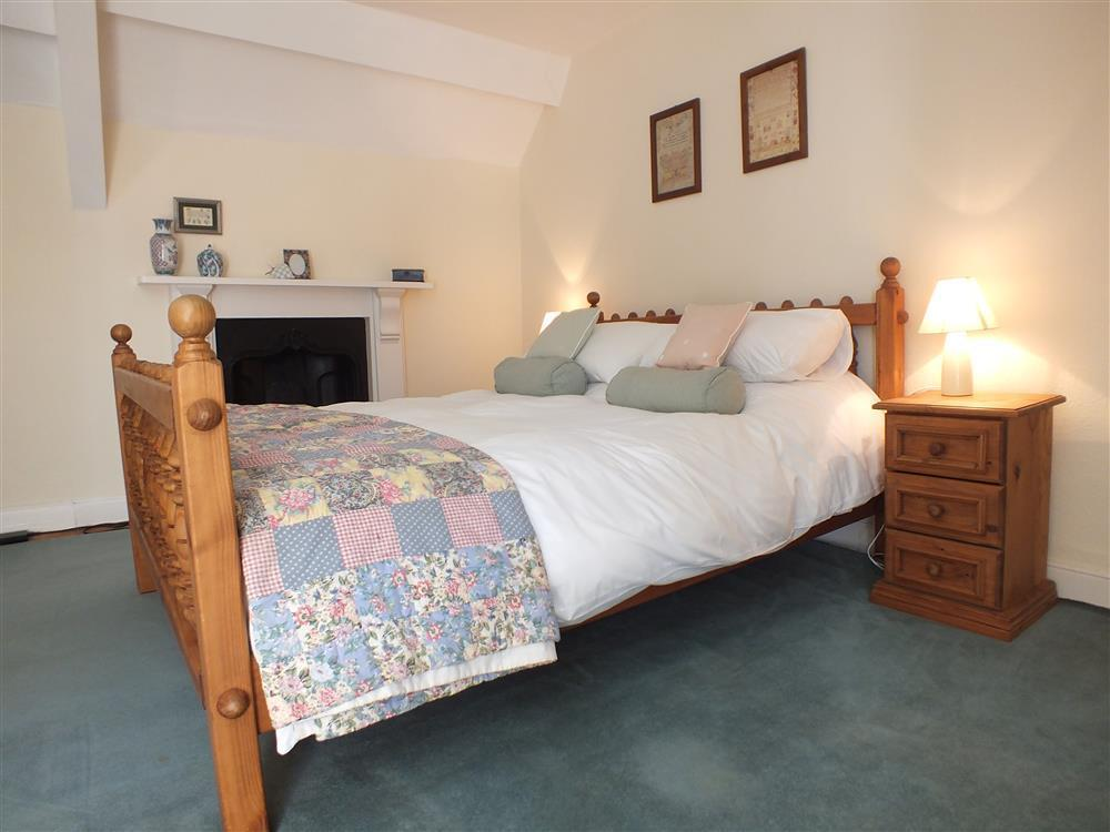 06-Kingsized bed in Fishguard-707 (2)