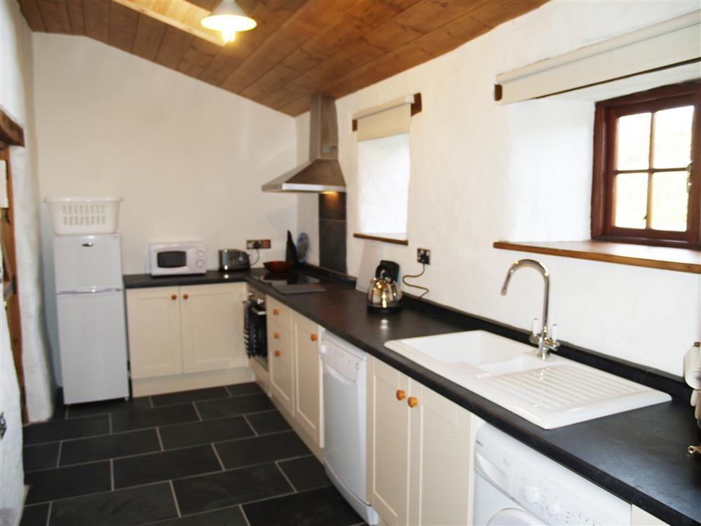 Photograph of 03 Farmhouse Cottage Kitchen 538