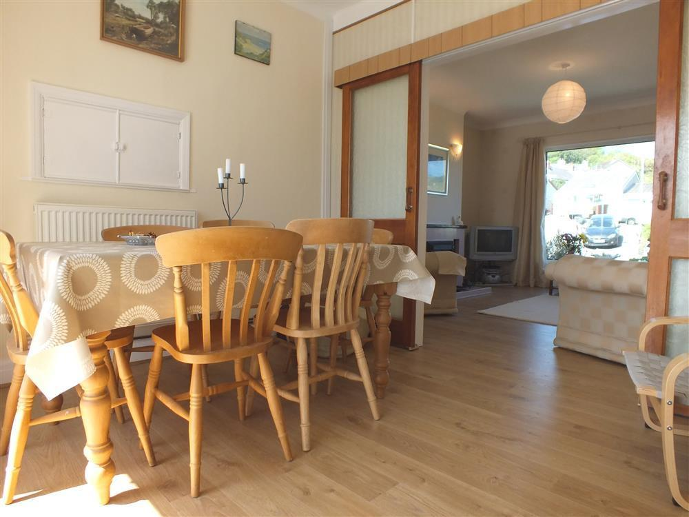 Photograph of 02 Dining area 412