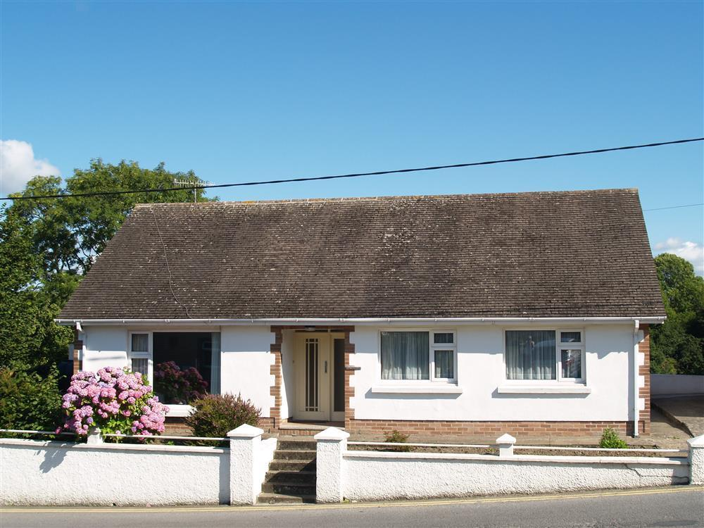 Photograph of 05 Rosevene bungalow St Dogs 412