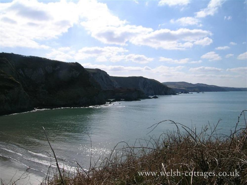 Photograph of 06-Pwllgwaelod Beach-815