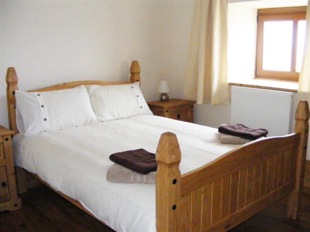 02-Carmarthenshire Double Bed-883