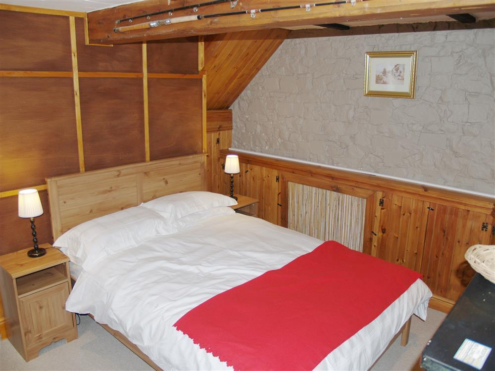 05-New Quay Double Bed-930