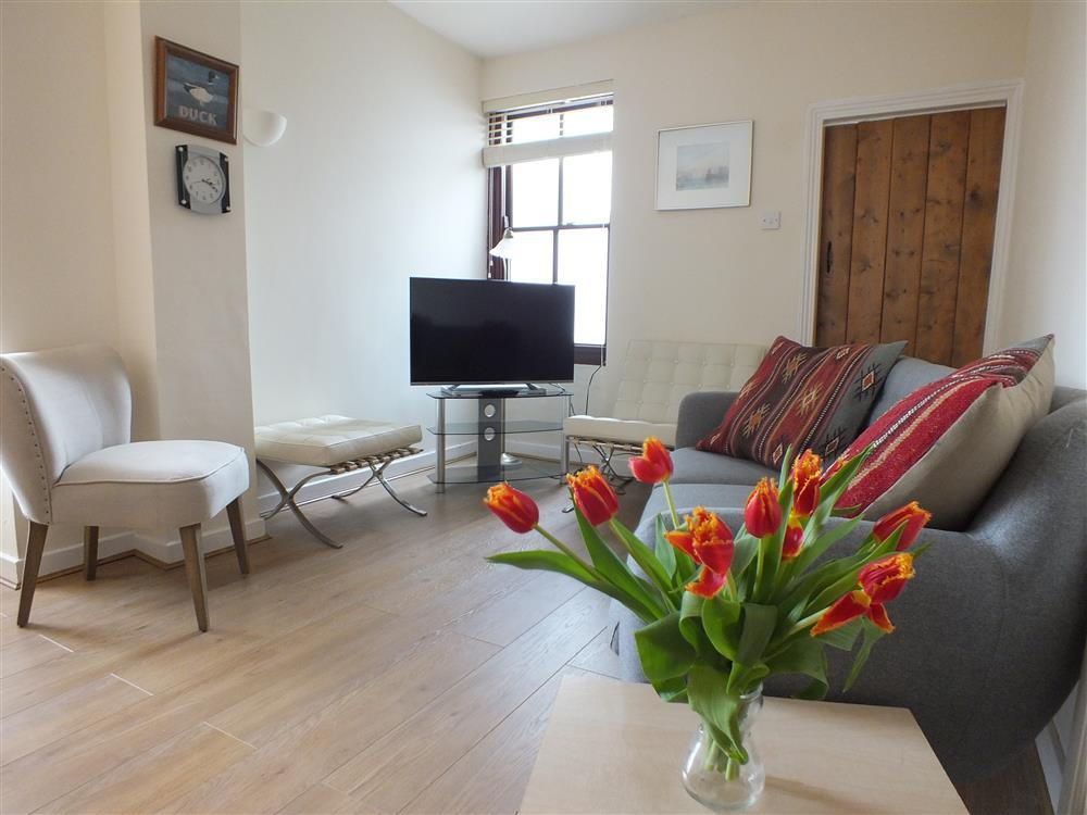 Terraced house a short walk from the centre of Fishguard - Sleeps 5 - Ref 472