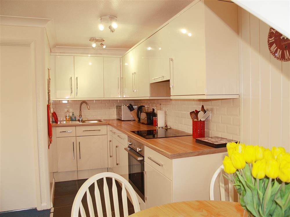 Photograph of 01 Broad Haven Kitchen 560 (2)