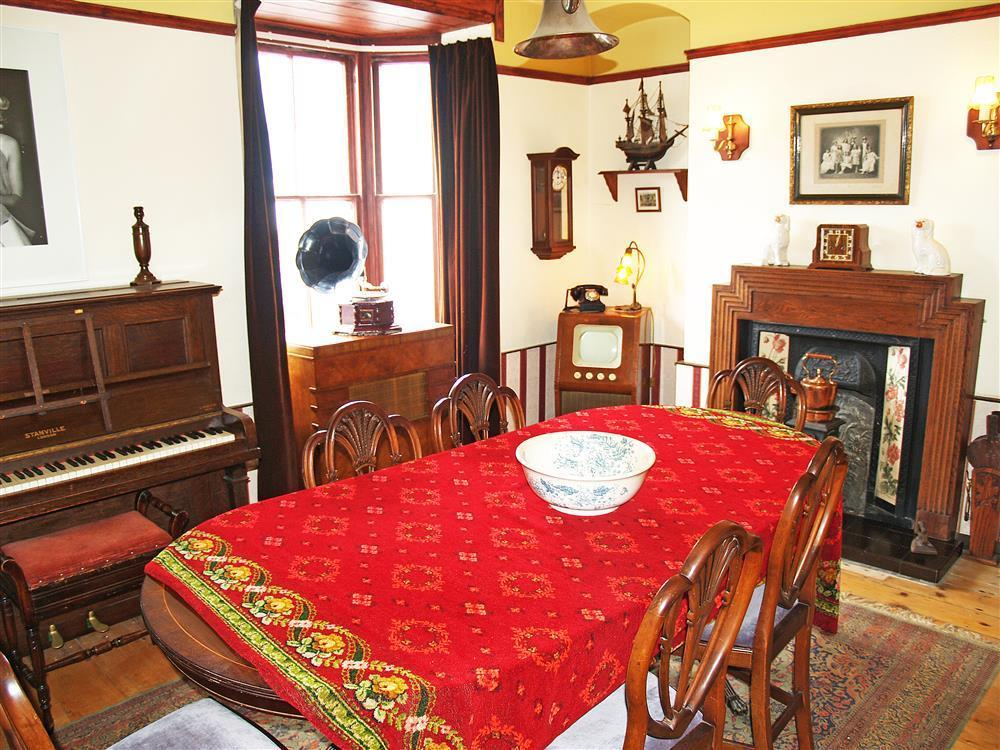 577-03 Cardigan Bay Dining Room (1)