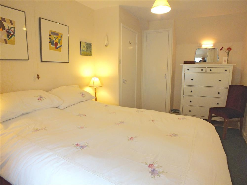 05 Double Bedroom in Castlemorris 579 (1)