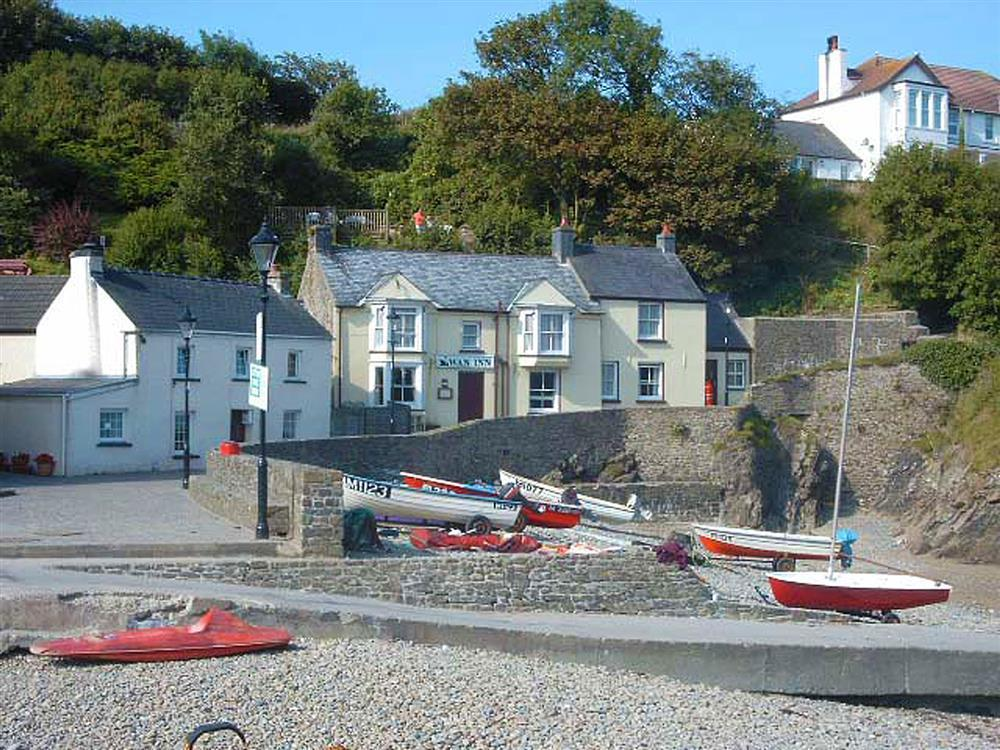 Sea view cottage just beside the beach - Sleeps 5 - Ref 625