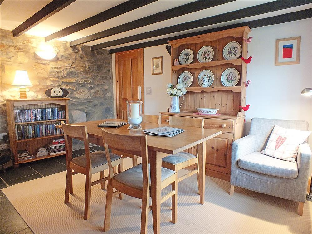 Photograph of 02-Cottage Dining Room in Goodwick-628 (2)