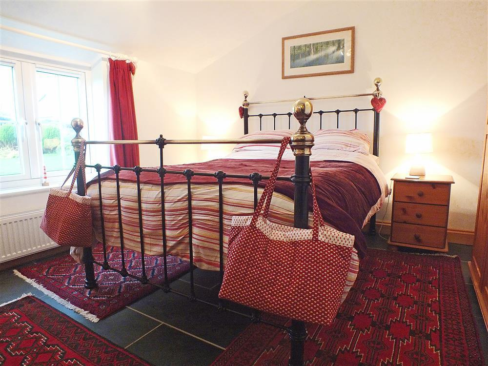 Photograph of 04-Double Bed near Pwll Deri-628 (2)