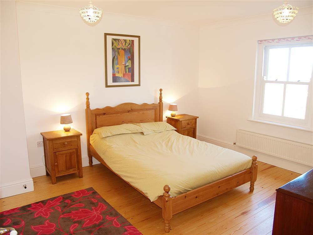 04-Newport Pembs Double Bed-837 (2)