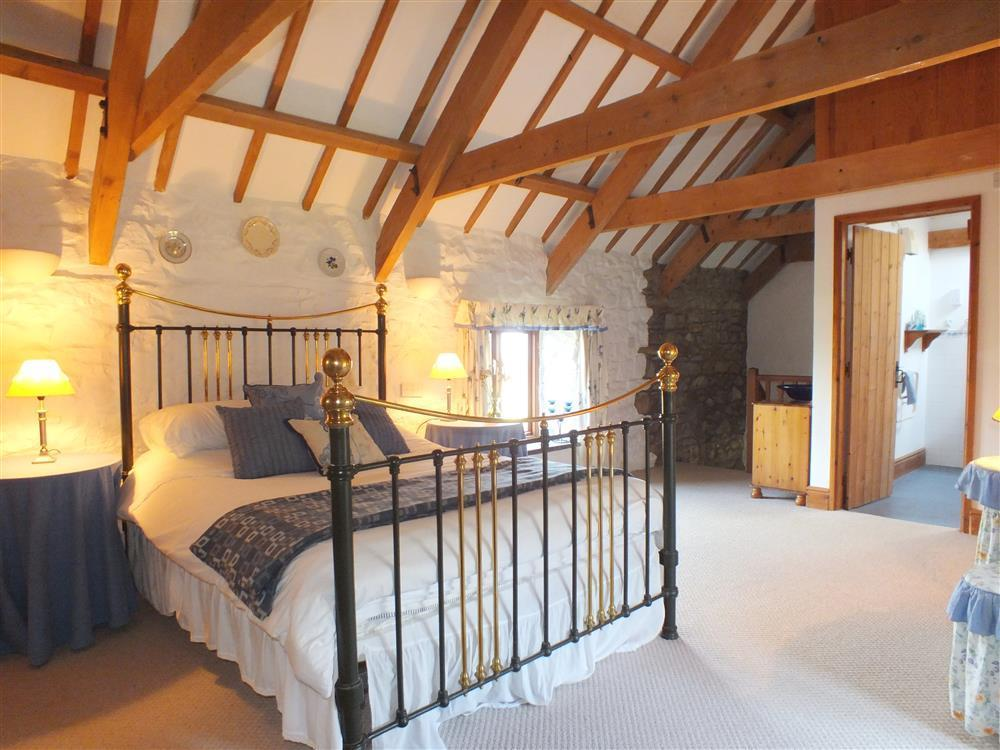 Romantic Barn Conversion near Newport Sands and Ceibwr Bay - Sleeps 2 - Ref 146