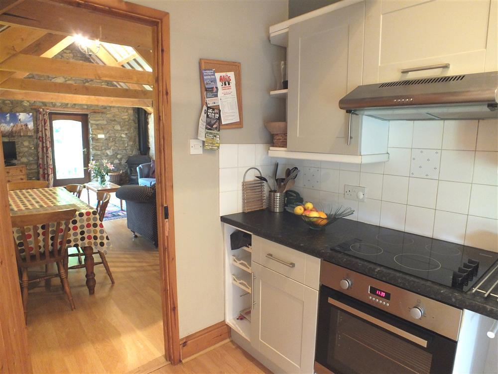 145-2-Self catering kitchen (2)