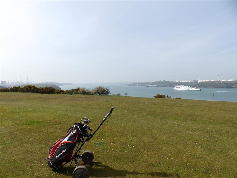 Photograph of 2083-9-Golfing nearby (1)