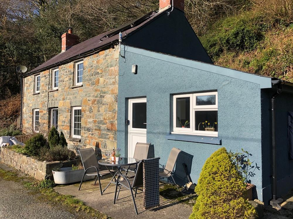 06 Gwaun Valley Cottage 2256 (1)