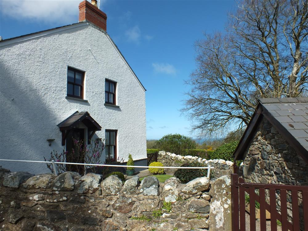 Cottage on Carningli with distant sea views of Newport Bay  Sleeps: 2  Property Ref: 2046