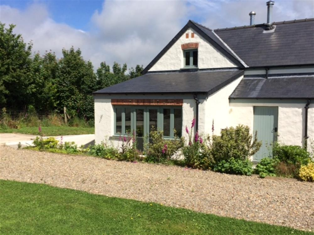 Contemporary barn conversion near Fishguard with glorious countryside views - Sleeps 4 - Ref 2260