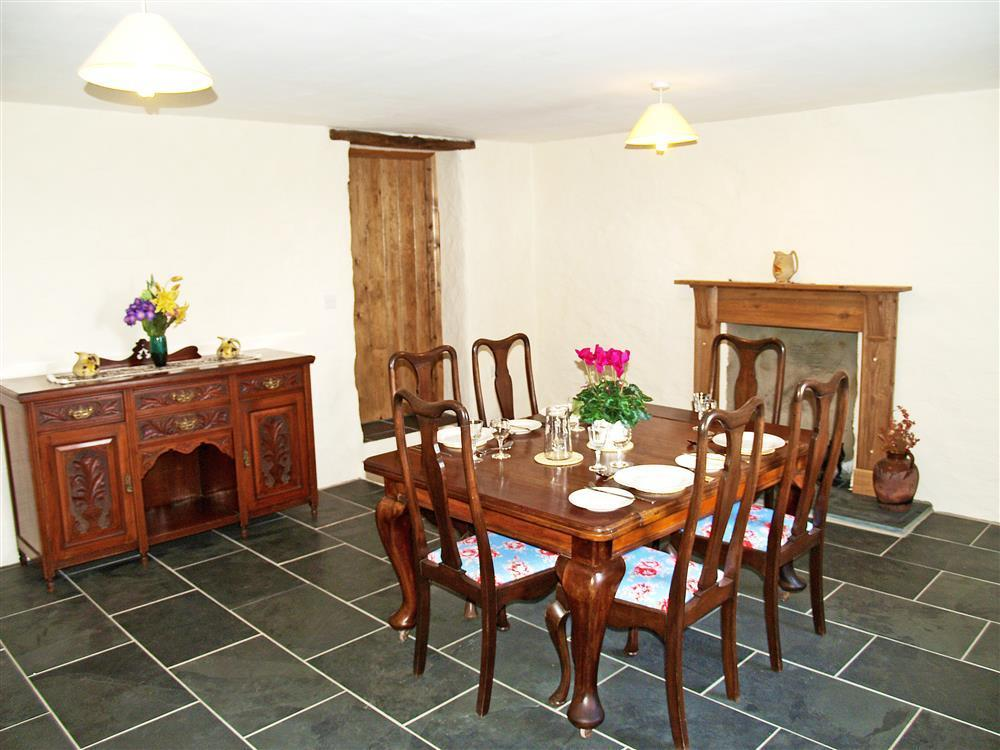 539-03- Strumble Head Farmhouse Dining Room