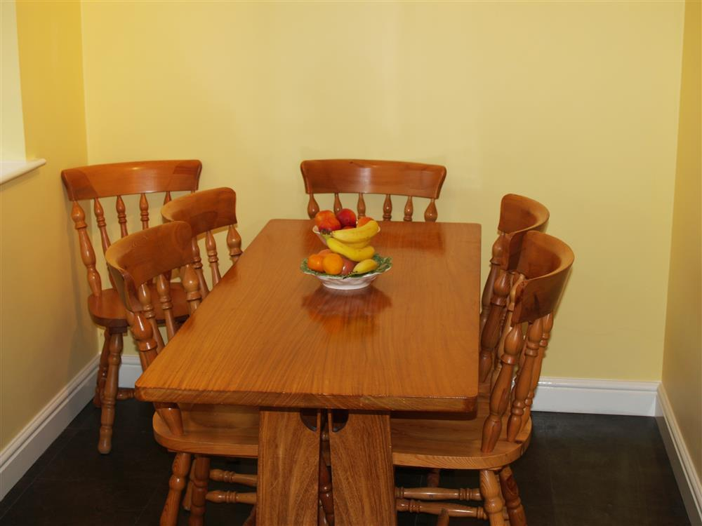 Photograph of 519-5-Dining Area2