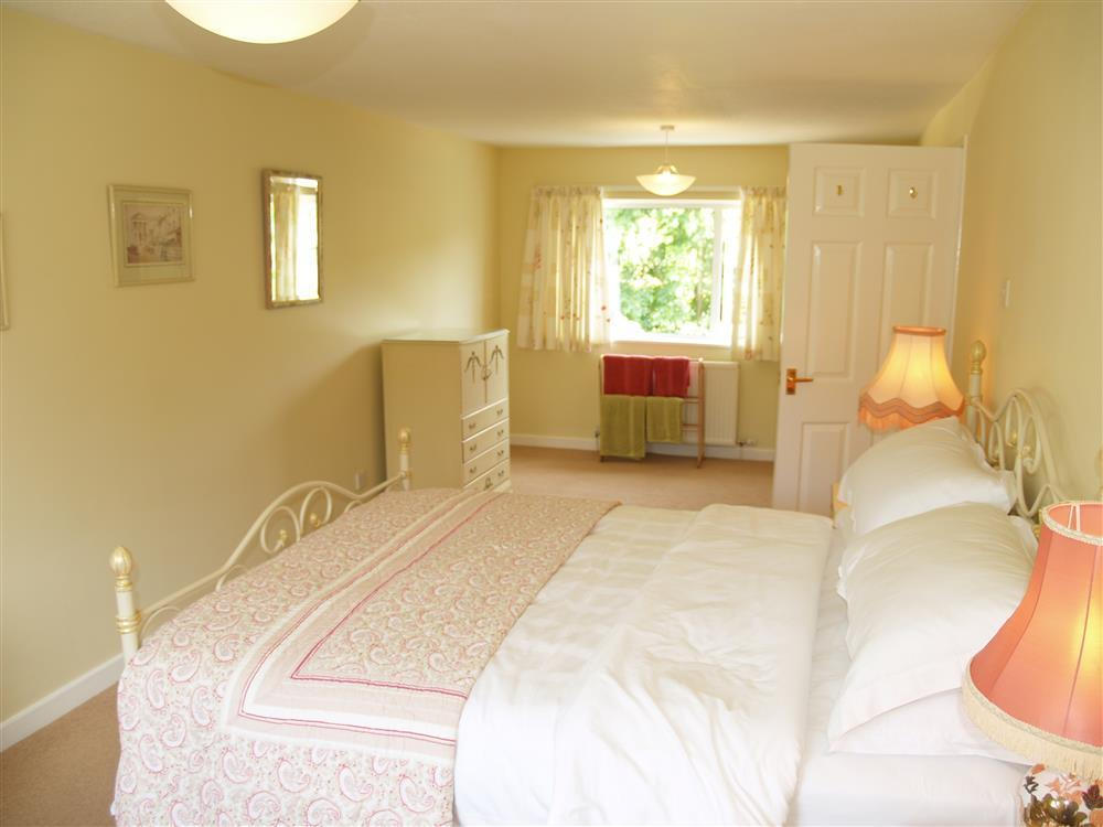Photograph of 519-5-Master Bedroom2