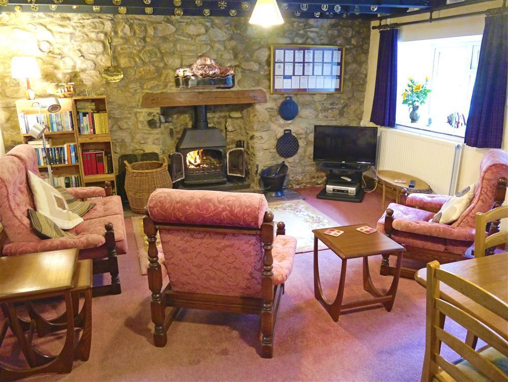 03 Strumble Head Cottage Lounge 579 (1)