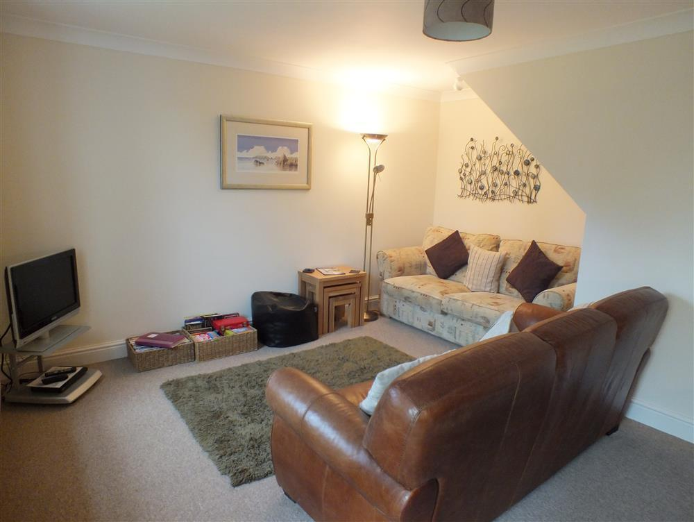 Photograph of 2078-1-Marloes Cottage sitting room (2)