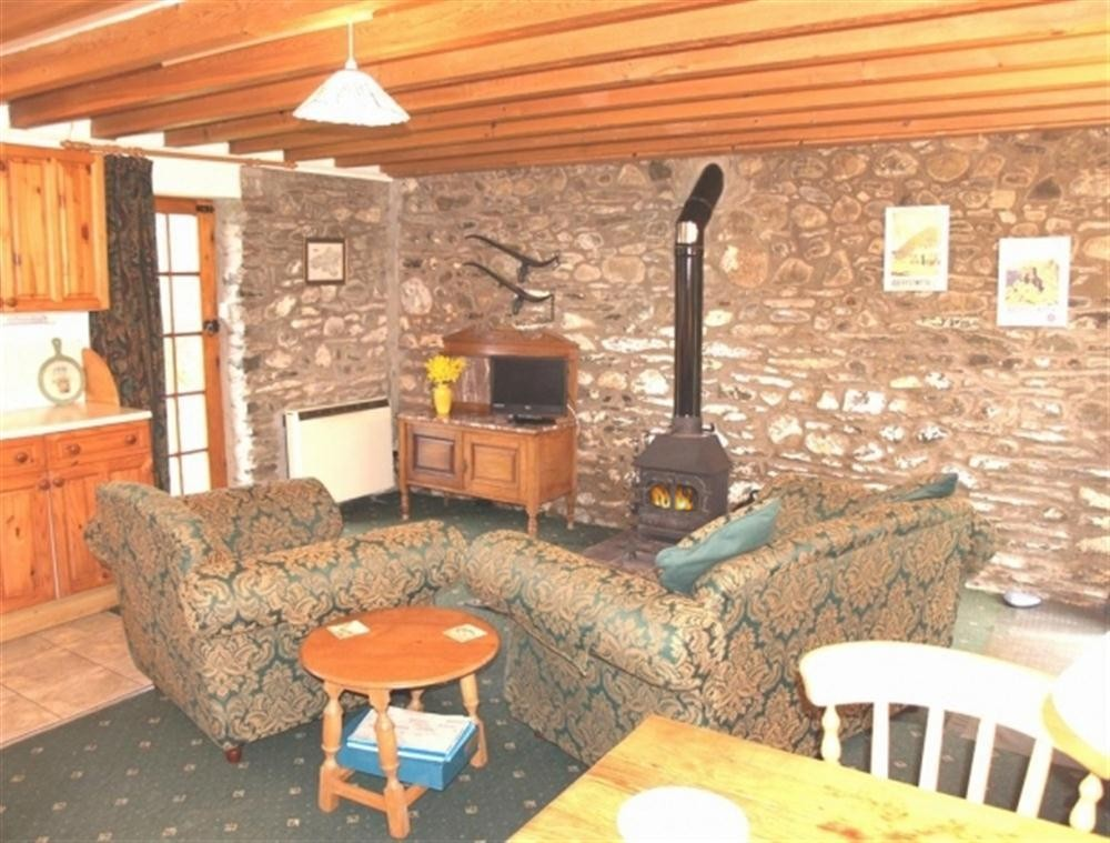 Barn Conversion - Mwnt Beach - Cardigan Bay - Sleeps 2 - Ref 222