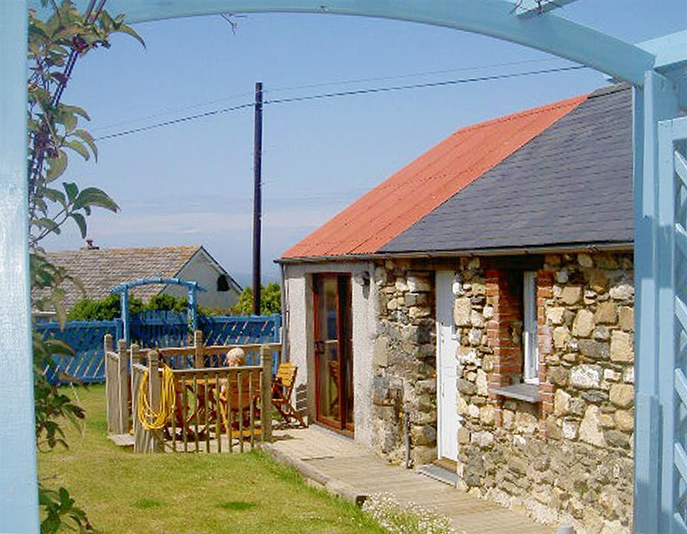 05-Strumble Head Cottage-710 (1)