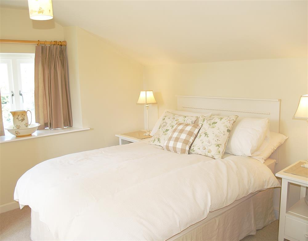 04-Carew Cheriton Double Bed-889