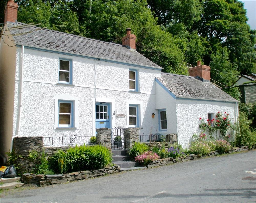 Photograph of 2152-9-Gerallt Cottage