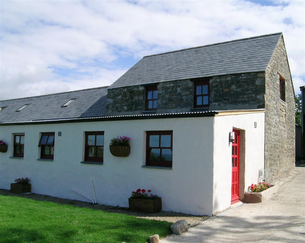 Semi detached sea view holiday cottage in the Pembrokeshire National Park - Sleeps 3 - Ref 815