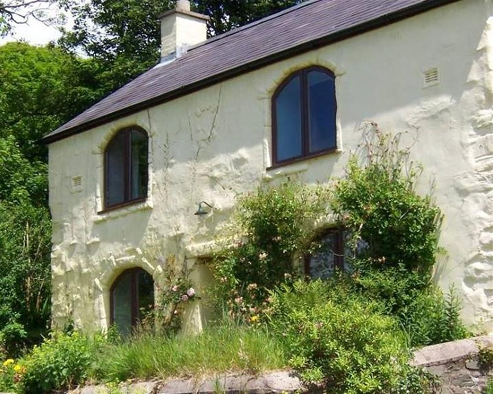 Quirky Farmhouse in Preseli Hills - Sleeps 10 - Ref 2182