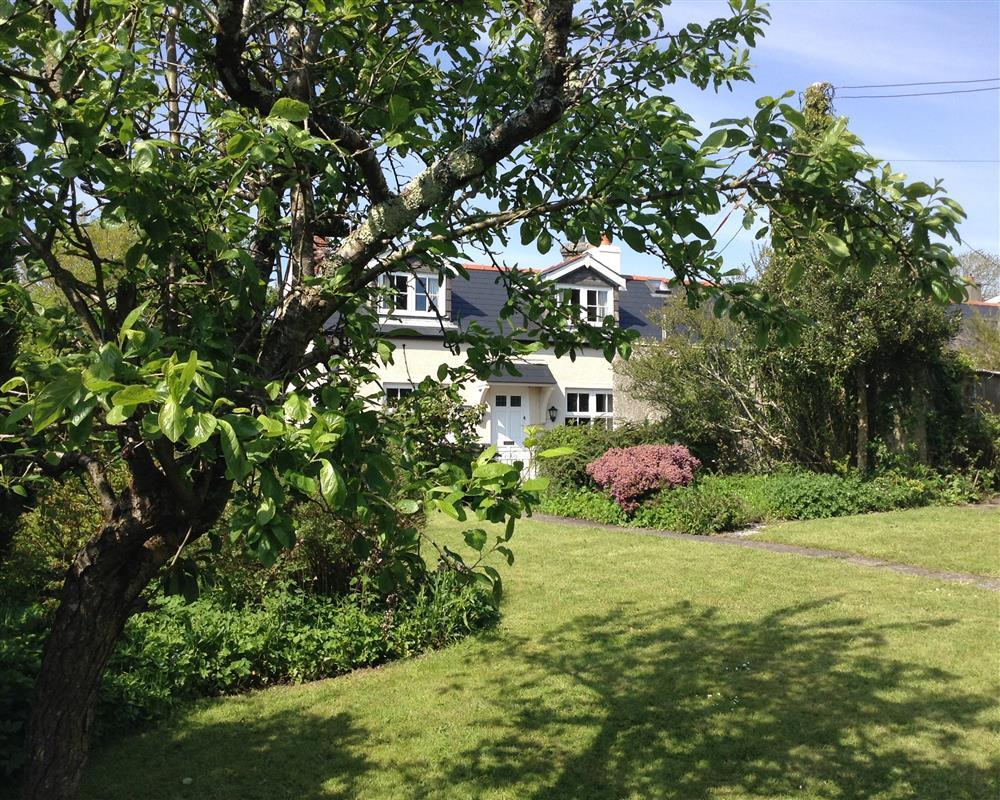 Cottage - Carew Cheriton - near Tenby - Sleeps 6 - Ref 889