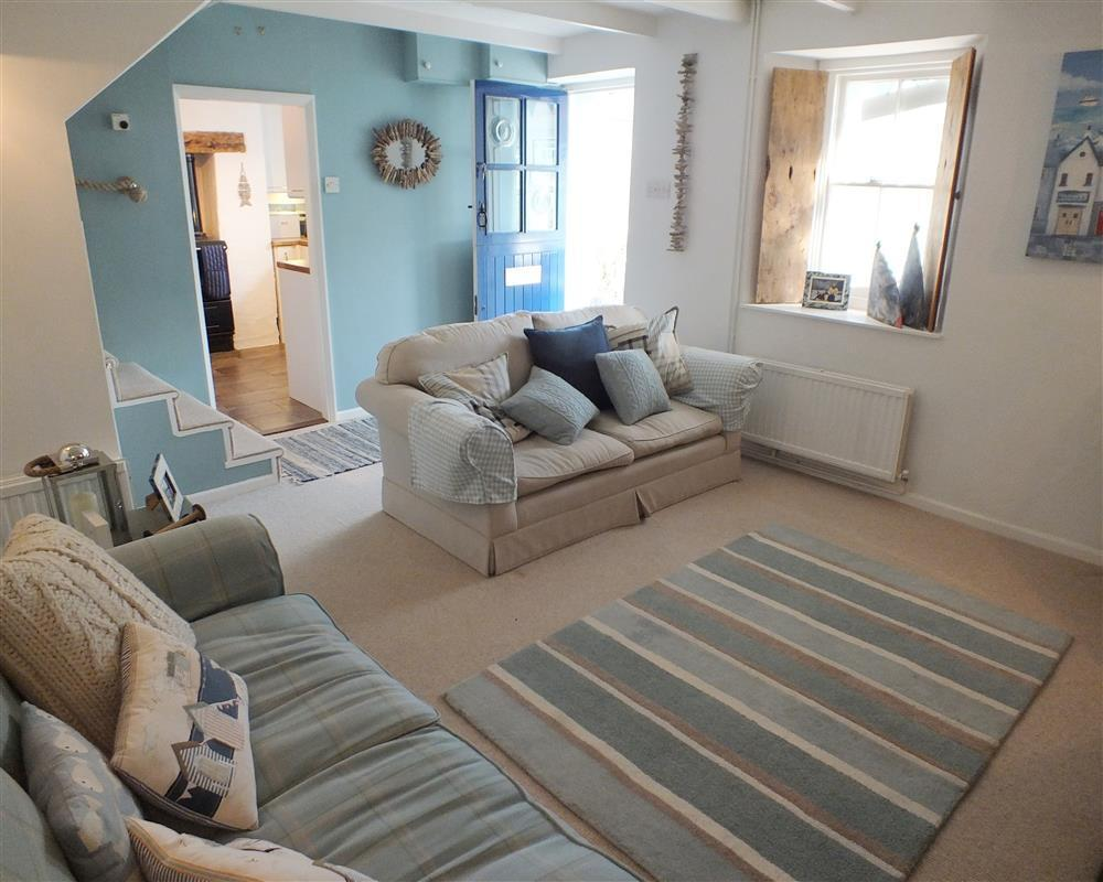 Charming former mill-workers cottage just a few minutes' walk from the beach and coastal path - Sleeps 4 - Ref 2171