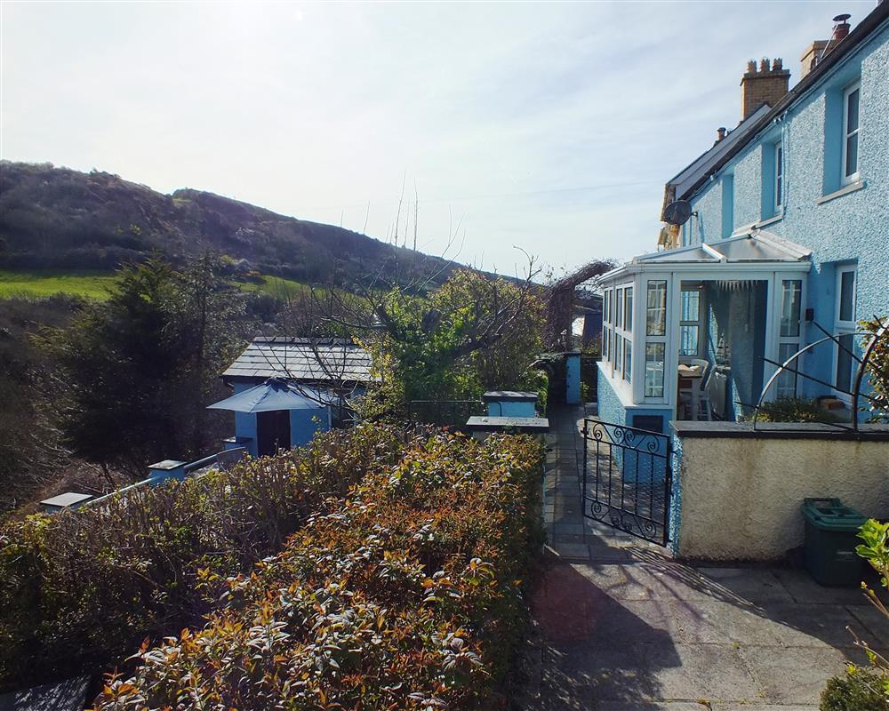 Photograph of 2171-9-Llangrannog cottage