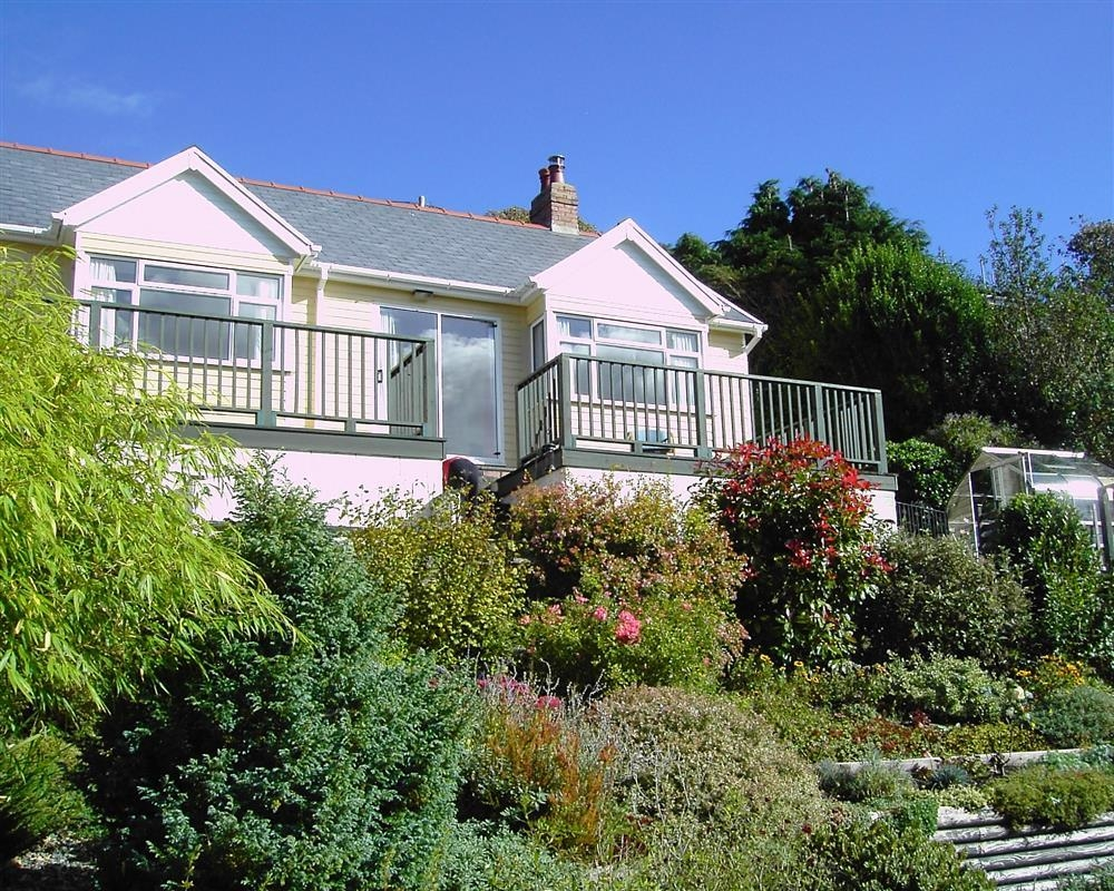 Bungalow at Llanreath, Pembroke - Sleeps 4 - Ref 2083