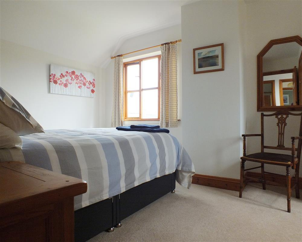 Photograph of 05 double bedroom 2162 (1)