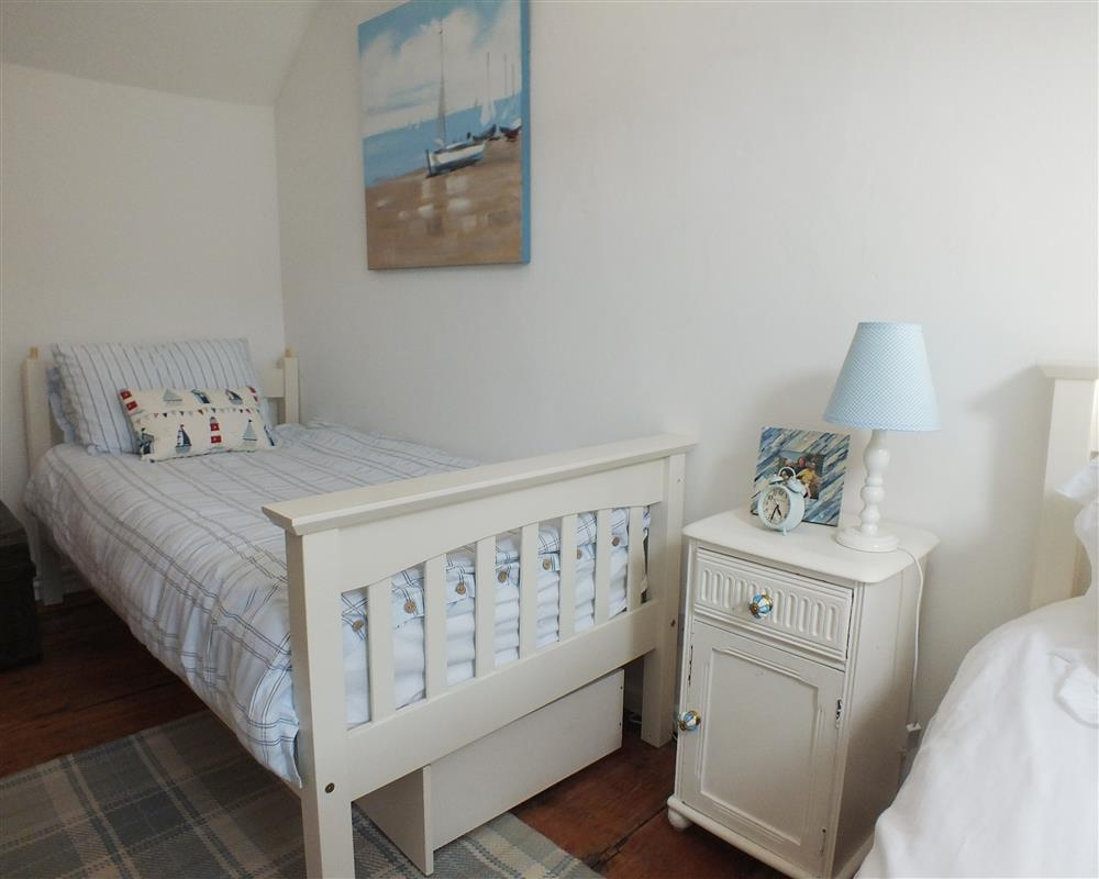 Photograph of 05 Twin beds Llangrannog 2171 (1)
