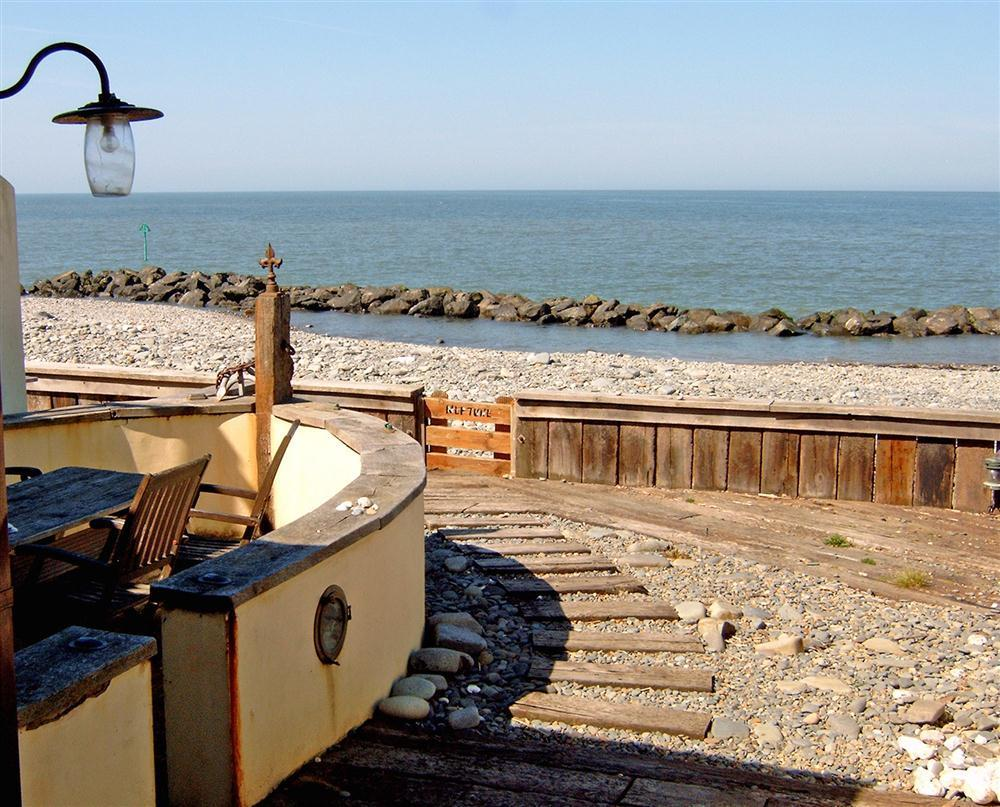 1940's Style Seaside House - Borth - Cardigan Bay - Sleeps 7 - Ref 577